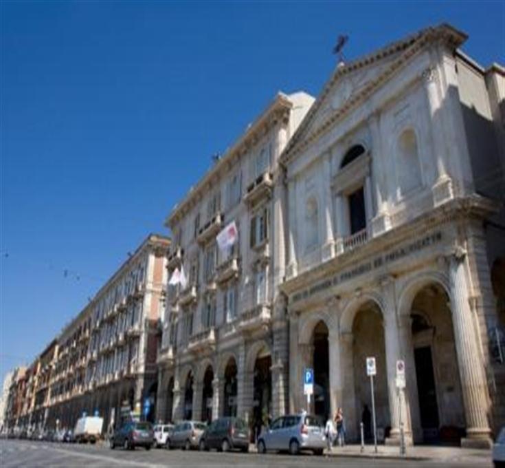 Maison miramare boutique hotel via roma cagliari for Best boutique hotels sardinia