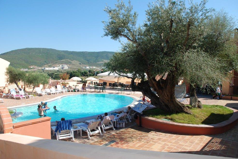 Albergo residence li troni budoni sardinien online for Residence budoni 2