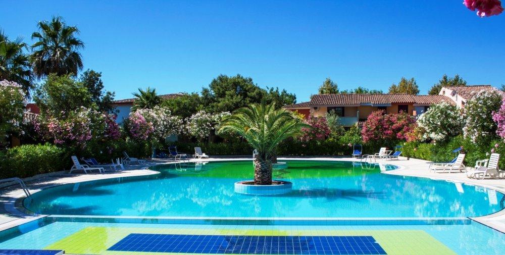Residence oasi anfiteatro porto ottiolu budoni for Residence budoni